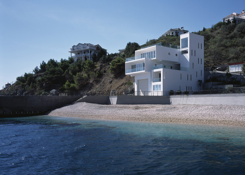 Yacht House by Robin Monotti Architects in Foros