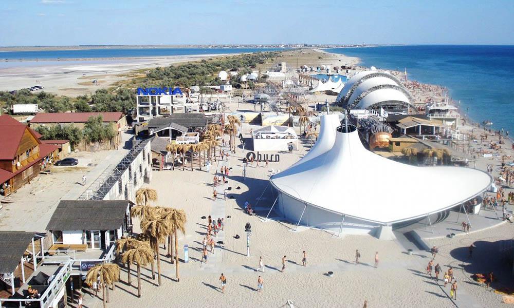 Креветки раздора: стройка фермы на пляже в Поповке
