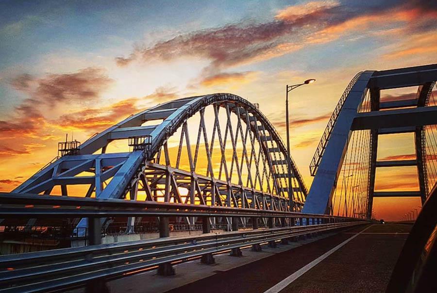 Крымскому мосту один год!